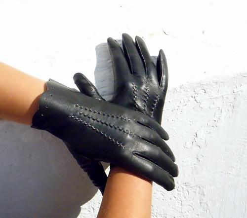 Černé dámské kožené rukavice bezpodšívkové