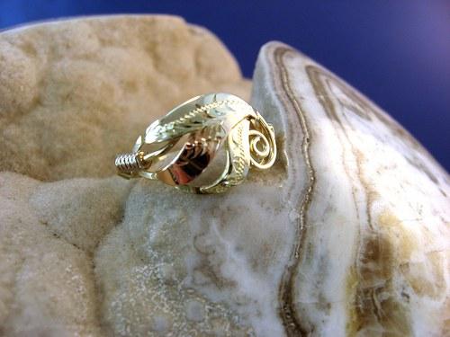 Golden leaf - celozlatý prsten.
