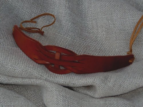Náramek kožený proplétaný M