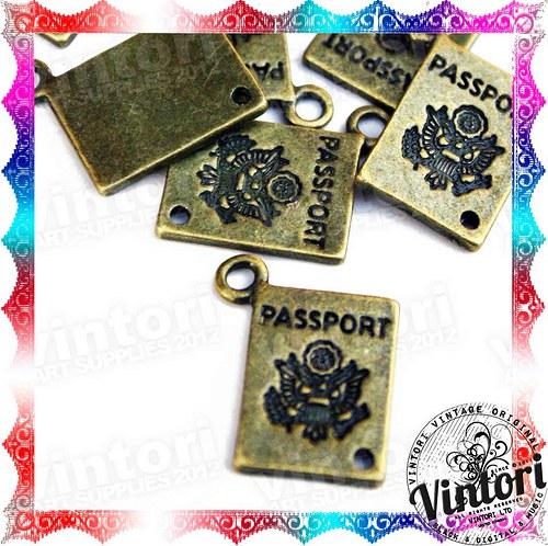 Bronzový přívěsek, cestovní pas, passport