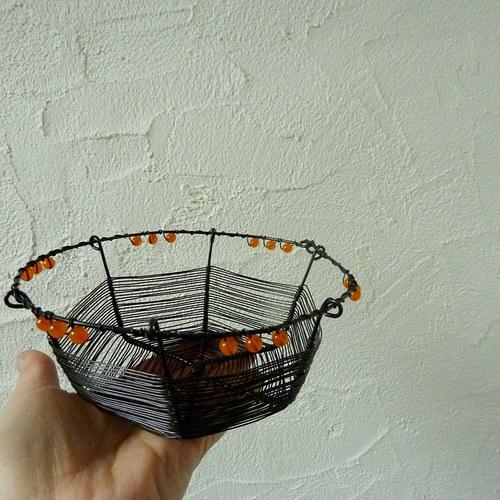 Oranžová menší miska