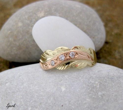 Zlatý prsten rytý