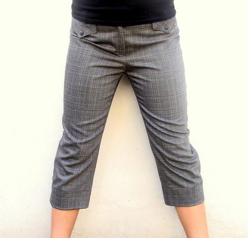 Kostkované tříčtvrteční kalhoty