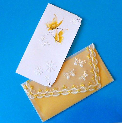 132. Motýlkové  blahopřání s obálkou - žluté