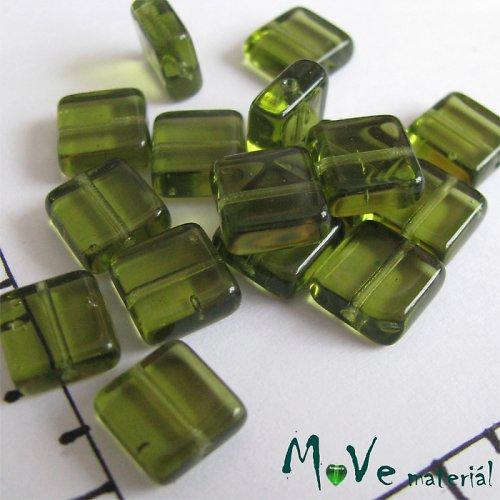České skleněné čtverečky 8x3 mm 18 ks, zelené