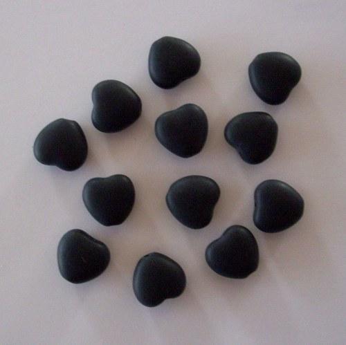 Mačkaná perle - srdíčko černé - mat