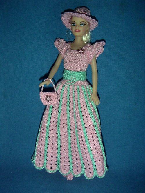 Háčkovaný komplet na panenku typu Barbie