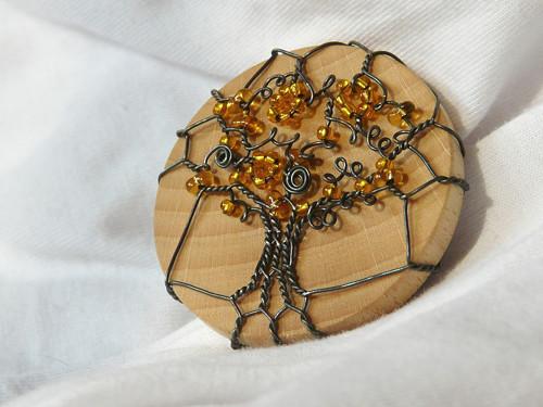 Brož žlutý strom II.