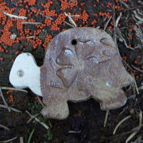 Želva s dírkou  na zavěšení