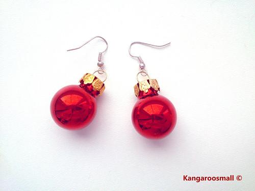 Vánoční baňky : náušnice - červené lesklé