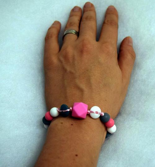 silikonové korálky -  náramek pro holčičí maminku