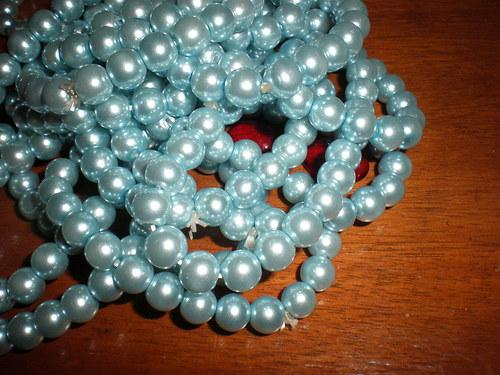 Voskované perly VI 0,8cm 23ks