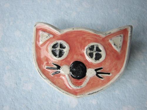 Brož - růžová kočka
