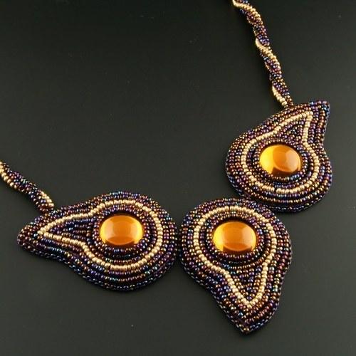 Oči noci (náhrdelník)