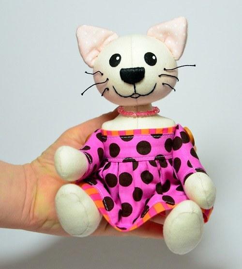 Malá kočička růžová - autorská - Na OBJEDNÁNÍ