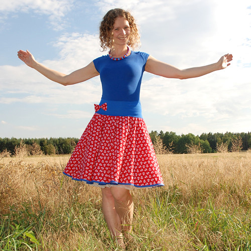 Červená sukně s kotvami - SKLADEM