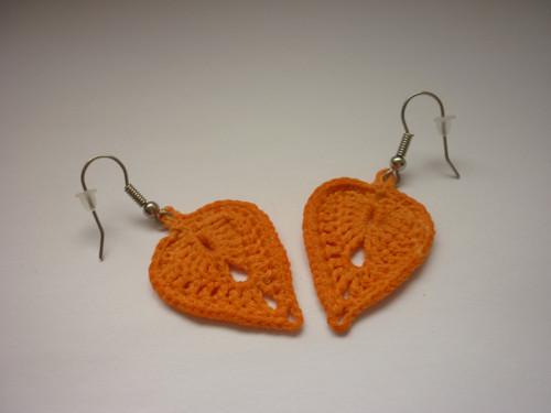 Háčkované náušnice - lístečky - oranžové
