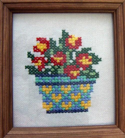 Vyšívaný obrázek - květináč