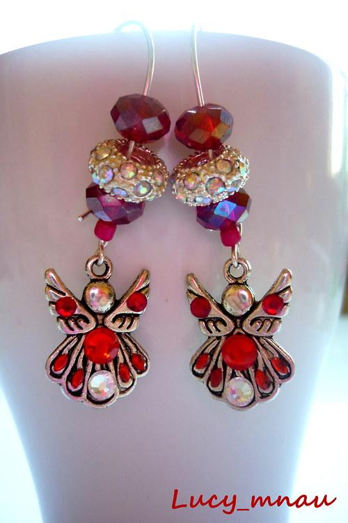 Náušničky anjel strážny s červenou korálkou :)