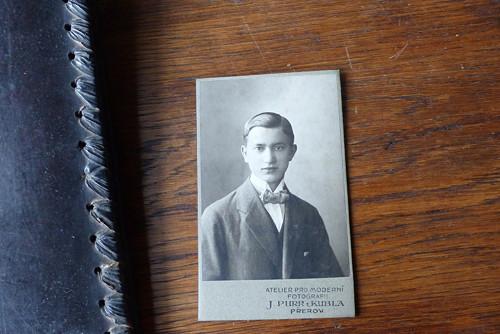 Mladý Leopold... kabinetní fotografie