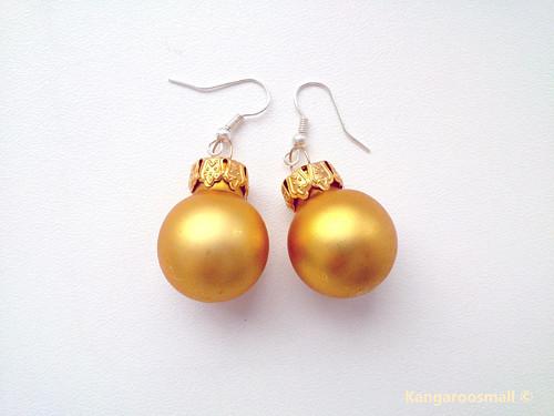 Vánoční baňky : náušnice - světle zlaté MATNÉ