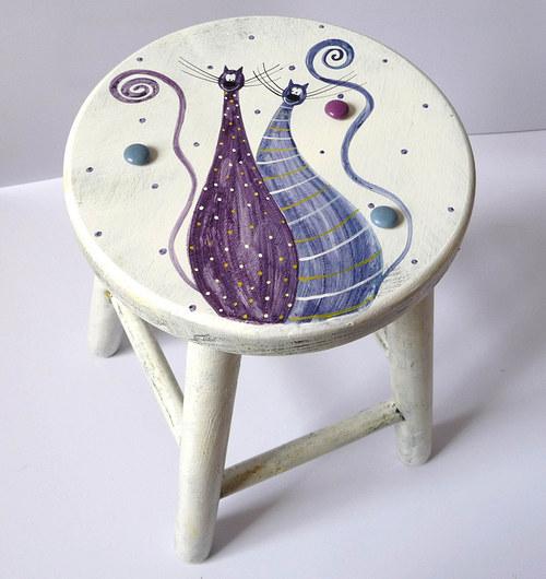 dřevěná stolička - bílá s tlustínky