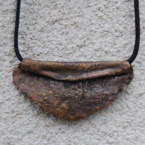 Bronzový jednoduchý