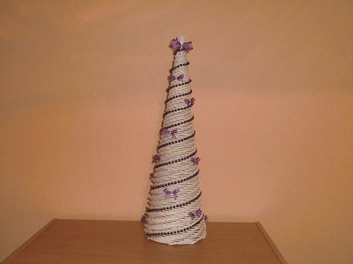 Bílý stromek na vánoce - ozdobený