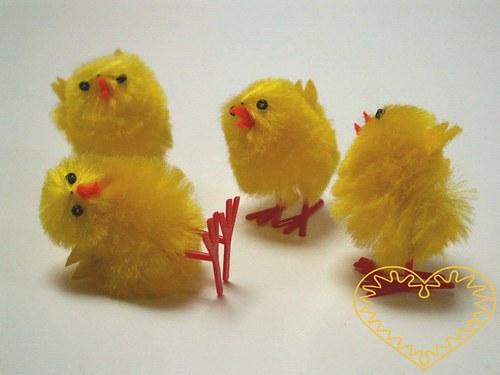 Žluté kuře menší / kuřátko ze žinylky 1 ks