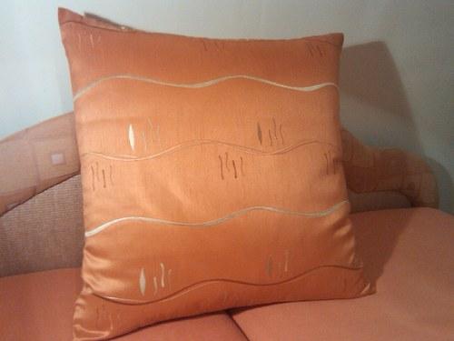 Luxusní polštář 65 x 65 cm na pohovku