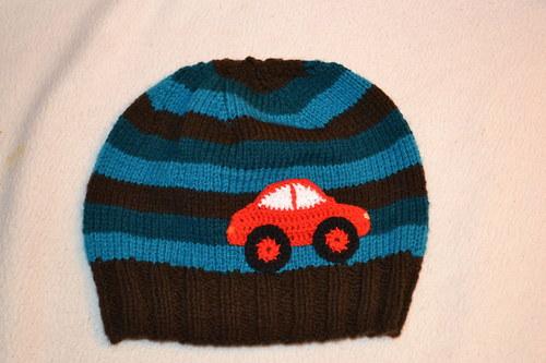 Pletená čepice pro kluky s autem