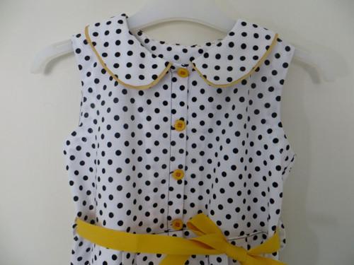 Dívčí šaty s puntíky
