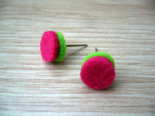 Zeleno-růžové plstěné pecky