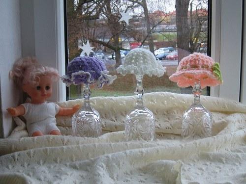 Sada kloboučků na panenku.  Zboží na objednávku