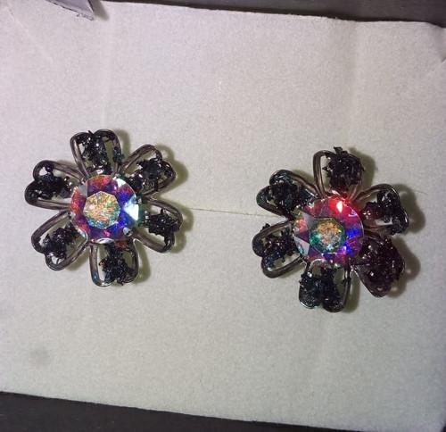 Náušnice s nebroušenými diamanty