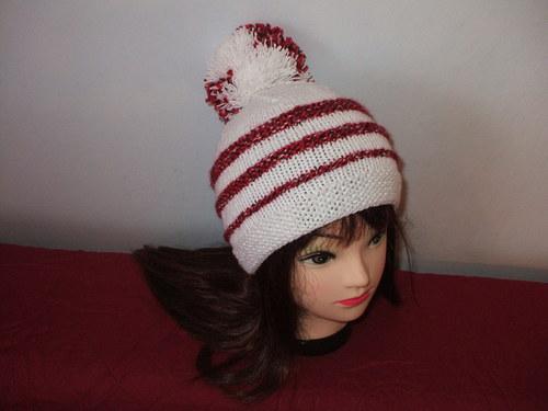 Bílá čepice pro holku