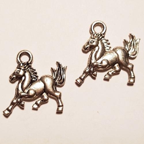 Kůň (1ks)