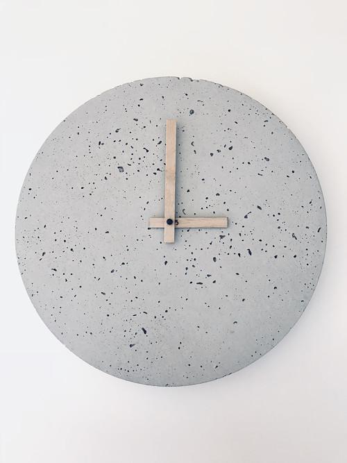 Betónové hodiny - PURE 30 verzia 2