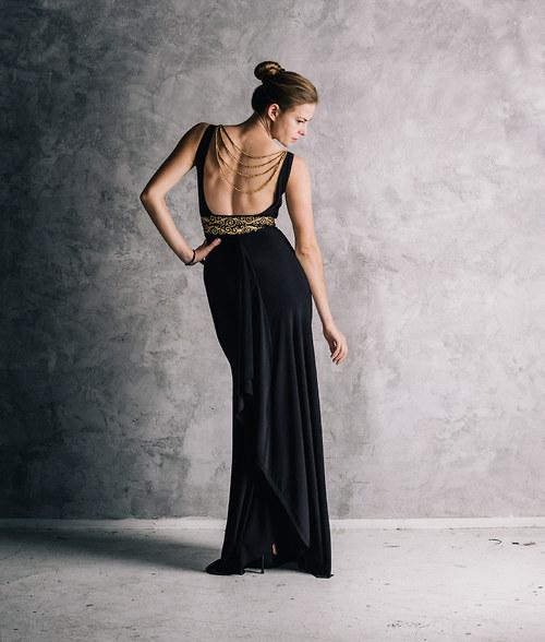 Luxusní šaty Femme fatale