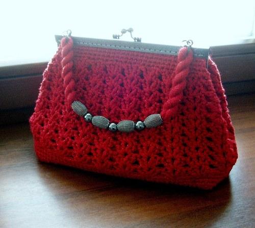 kabelka háčkovaná-červený lesk