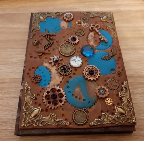 Steampunková zdobená záznamní kniha