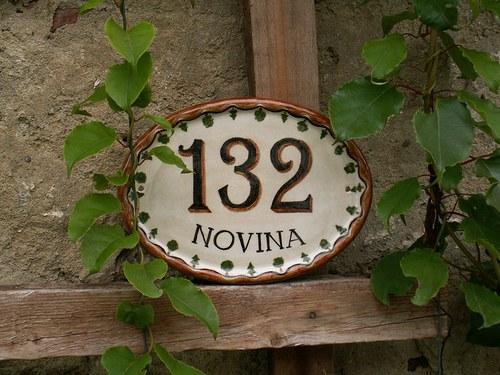 Keramické domovní číslo na hájenku