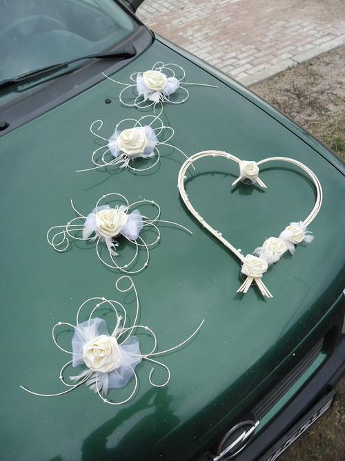 Svatební dekorace pro nevěstu - barva na přání