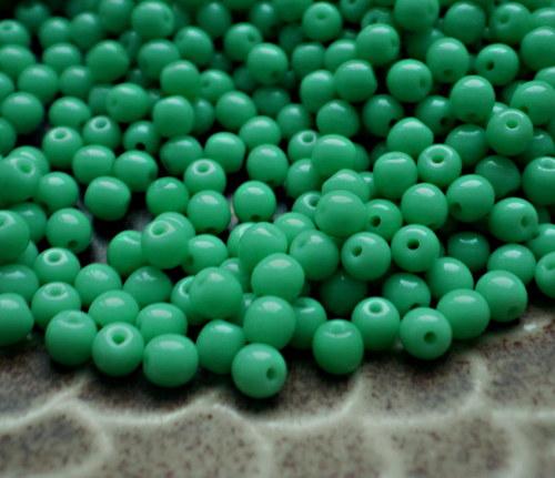 Korálky mint tmavší, 4 mm -  50 ks