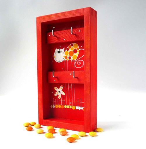 věšák na klíče s alarmem - červený s kočkou