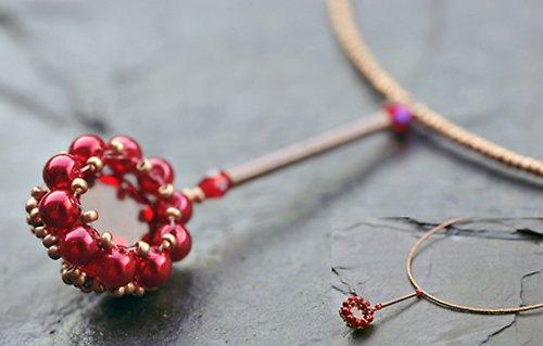 Červený náhrdelník - obšitý kamínek N0019R