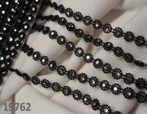 19762 Plast. borta s kamínky  - černá - á 10cm