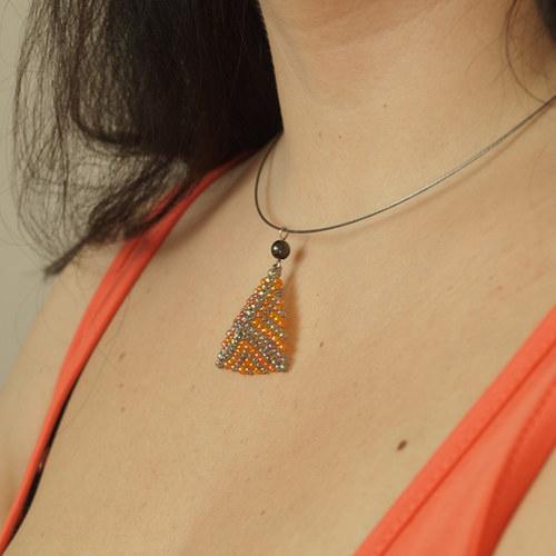 Trojúhelník šedooranžový