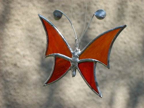 červenooranžový motýlek