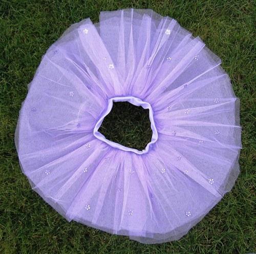 Fialová s fialovými kytičkami (6-10 let)